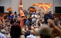Парламент Македонії захопили протестувальники