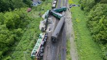 Зіткнення потягів на Хмельниччині: з'явилися фото аварії з дрону