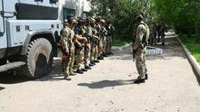 Украинские спецназовцы едут на помощь в Красногоровку