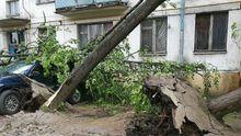 Выглядело, как конец света. Мощный ураган пронесся по Москве, много погибших