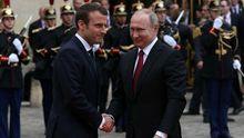 Макрон пригрозив Путіну через ескалацію на Донбасі