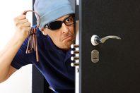 Як вберегтись від квартирних злодіїв у сезон відпусток