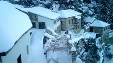 Святую гору Афон засыпало снегом: появились фото