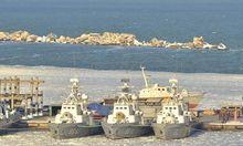 Военные корабли Украины замерзли в море в Одессе