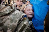 Блокадники  торговли с оккупантами устроили вече: фоторепортаж