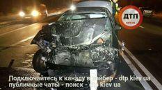 Две машины разбили друг друга в Киеве: появились фото