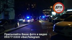 У Києві розстріляли авто з людиною: оперативні фото