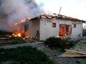 Пожар и руины: в штабе АТО показали последствия обстрелов жилых кварталов