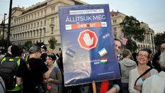 Многотысячные протесты в Будапеште: венгры протестуют против политики Виктора Орбана