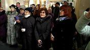 Назад в Союз. На вокзалі в Херсоні люди масово заспівали радянську пісню