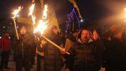 Слава нации, смерть врагам! – на Донбассе устроили факельное шествие