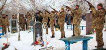 Військові провели в останню путь молодого побратима: опублікували фото