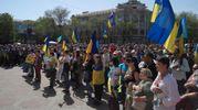 Прочь в Московию: в Мариуполе сотни людей вышли на протест