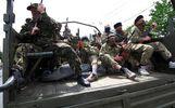 На Донбасі пройшли дві колони військової техніки з російськими солдатами, – ІС