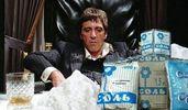 Насыпал щепотку соли в турникет: интернет заполонил новый мем