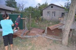 Около 300 селян устроили массовые погромы домов в Одесской области