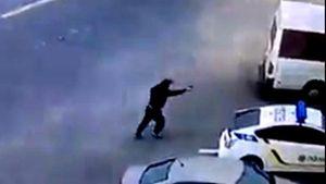 Обнародовали видео, как преступник хладнокровно расстрелял полицейского в Днепре