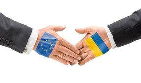 ЕС может приостановить безвиз для Украины: назвали несколько условий