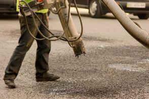 Скільки коштів потрібно на ремонт українських доріг