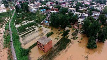 Непогода в Китае: за сутки выпала годовая норма осадков