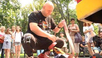 Силач установит рекорд, чтобы помочь детям