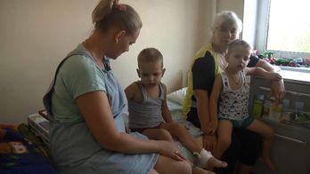 Трирічні близнята раптово захворіли на лейкемію