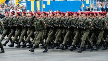 Грандіозний військовий парад та страшна аварія з українцями у РФ, – найважливіше за добу