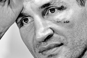 Реванш Кличко-Фьюри отменен, румынское землетрясение ощутили в Украине –самое интересное за день