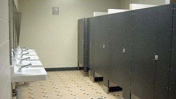 В Росії шкільні туалети хочуть обладнати системою відеоспостереження