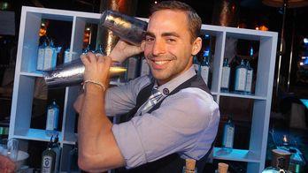 Літаючі бари заповнили європейські курорти