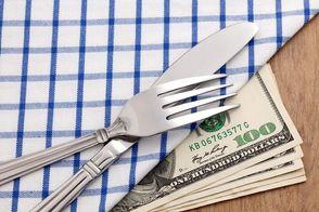 Жители оккупированных территорий все свои деньги тратят на еду