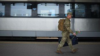 После долговременной службы защитники Авдеевки вернулись домой