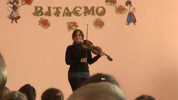Скрипачка з Берліну провела тиждень у фронтовій Авдіївці