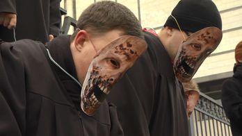 Активисты требуют уволить судей Конституционного суда времен Януковича
