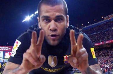 Звезды футбола: Даниэль Алвес — выдающийся игрок сборной Бразилии