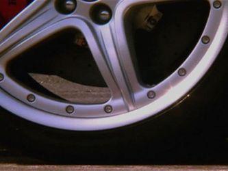 Як виробляють шини, які будь-яку погоду забезпечують контрольовану їзду