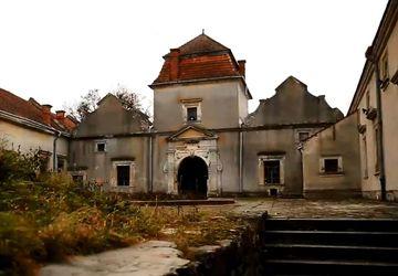 Путешествие  по Украине. Свиржский замок – крепость, где не хочется думать о войне