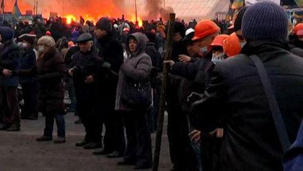 """Хроника Евромайдана. На Майдане дальше льется кровь, """"Ночь гнева"""" во Львове"""