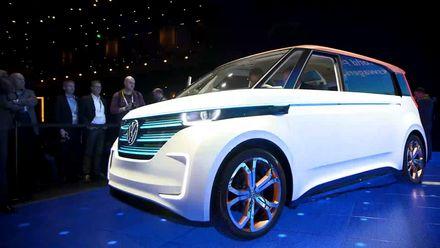 Мікроавтобус 21-го століття від Volkswagen та  розумні кросівки  з Bluetooth