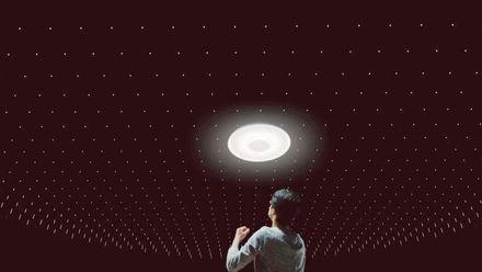 """""""Розумна"""" лампа від Sony, місяцехід від Audi"""
