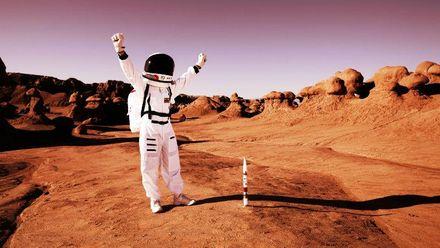 Samsung  презентувала два нових смартфони, космічний корабель, що відправить туристів на Марс