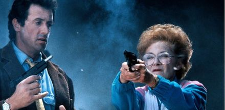 """""""Стій! Або моя мама стрілятиме"""" — комедійний бойовик про крутого копа і його маму-напарницю"""