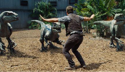 """Фільм дня. """"Світ Юрського періоду"""" – фантастика про небезпечні розваги в парку з динозаврами"""