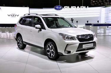 Тест-драйв нової моделі Subaru Forester: порівняння автівок двох поколінь