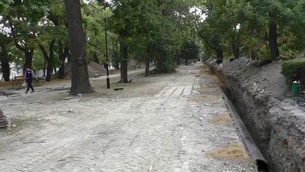 Кто уничтожает древние исторические памятки в Феодосии