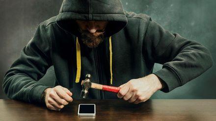 Украиной распространяется мощный вирус на смартфонах, который маскируется под российские соцсети