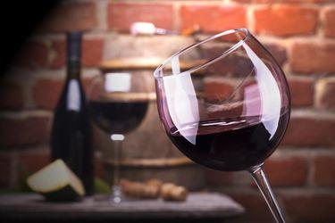 Червоне вино здатне зупинити старіння: вчені