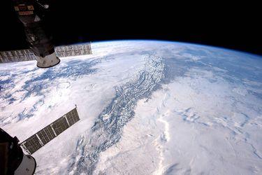 Как астронавты NASA в открытый космос ходили: опубликовано впечатляющее видео