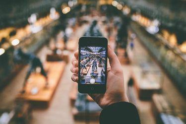 Лайфхак от инженера Google: как улучшить фото на смартфон в условиях тусклого освещения