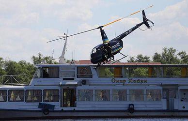 У Києві запрацювала річкова поліція: видовищні фото та відео з катерами та вертольотами